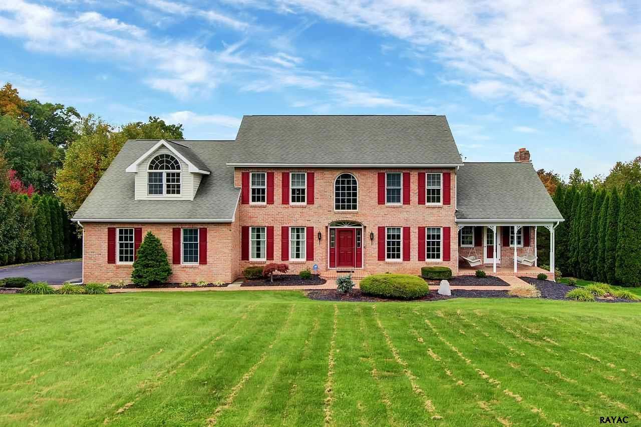 4475 Estate Dr, York, PA 17408