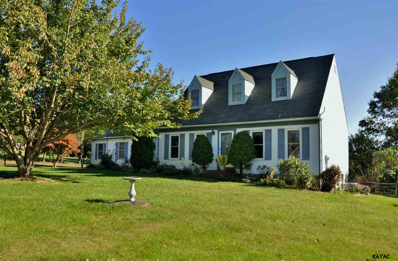 13589 Windview Ct, New Freedom, PA 17349