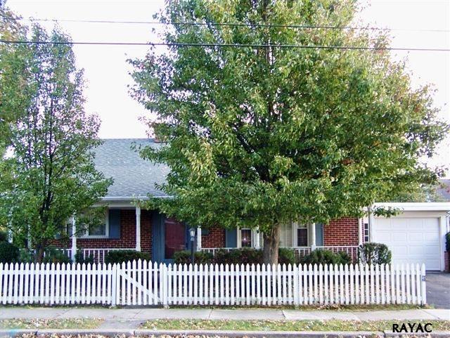 646 Delone Ave, McSherrystown, PA 17344