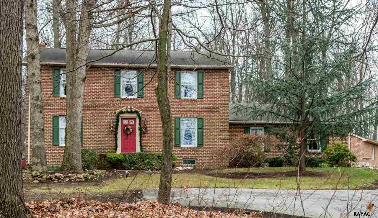 4900 Walters Hatchery Rd, Spring Grove, PA 17362