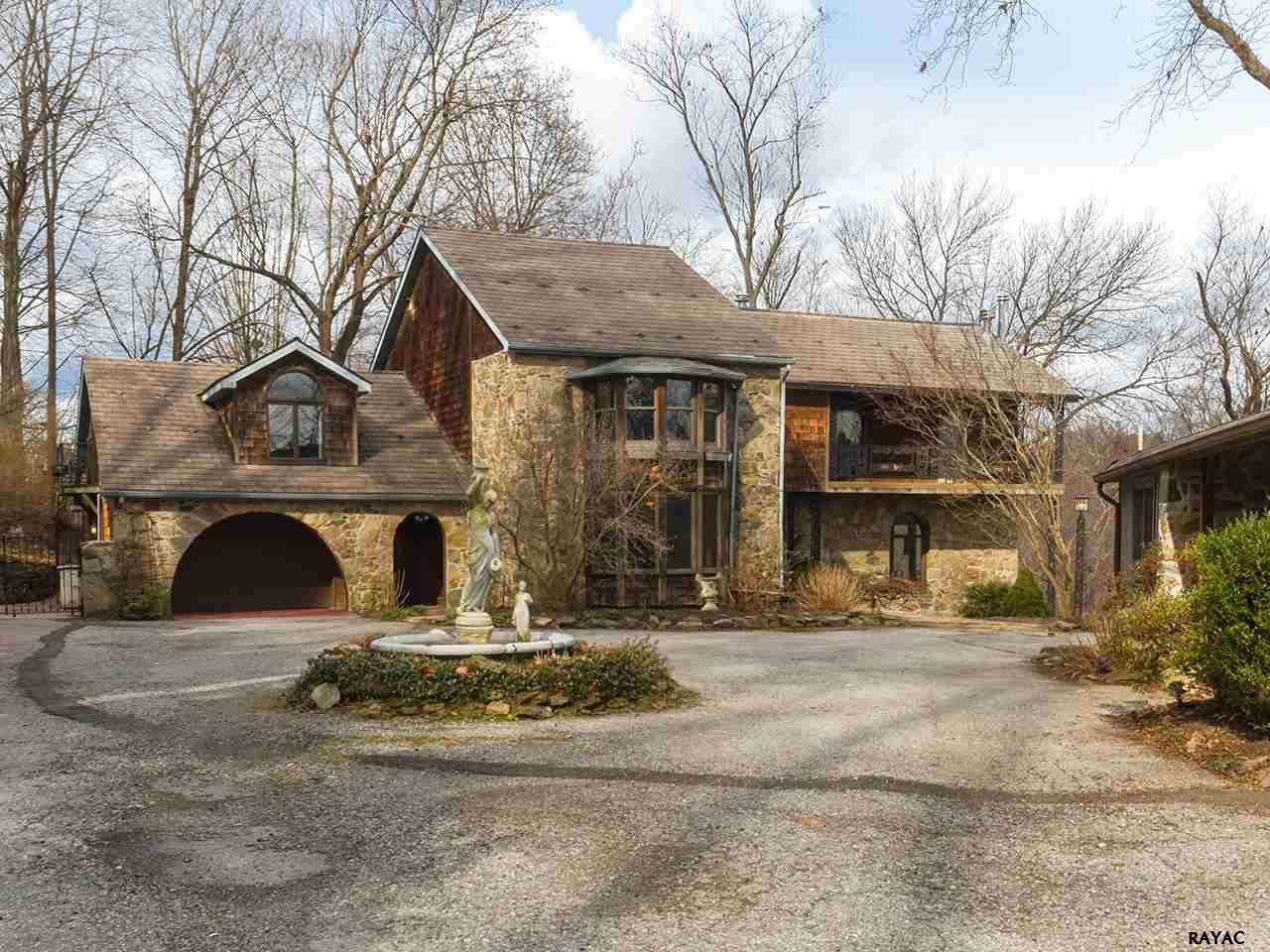 21 Cottage Ave, Glen Rock, PA 17327