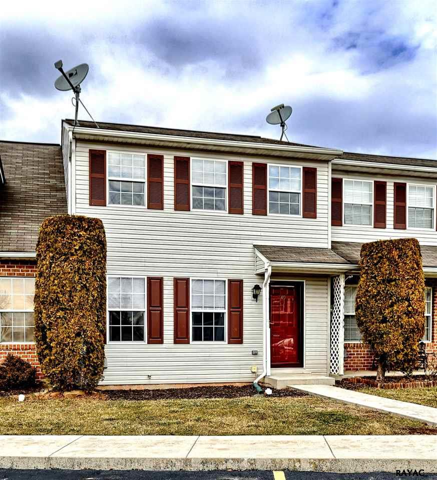Photo of 49 Fiddler Dr  New Oxford  PA