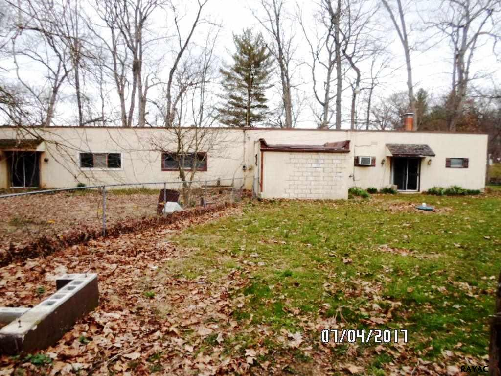 Photo of 425 Boy Scout Rd  New Oxford  PA