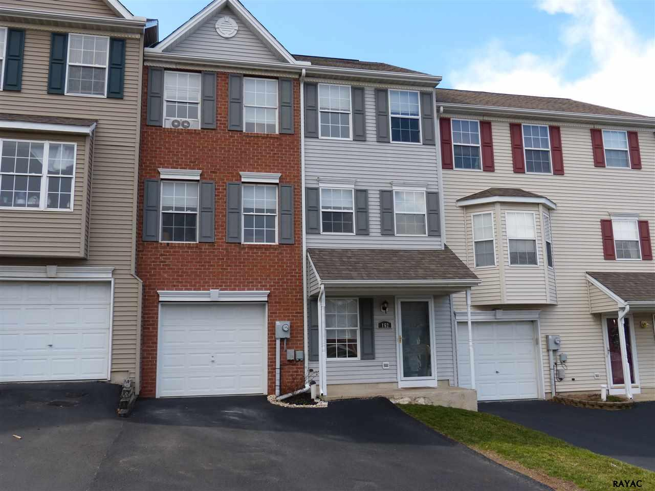 Photo of 162 Country Ridge Dr  Red Lion  PA
