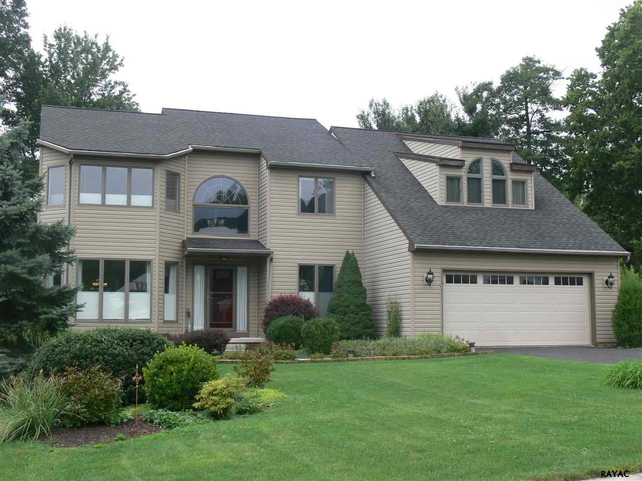 1790 Deamerlyn Drive York, PA 17406