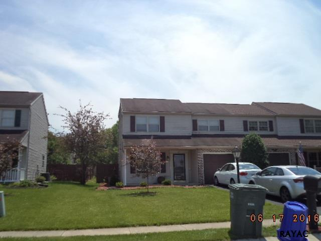 Photo of 1717 Weeping Willow Ln  Dover  PA