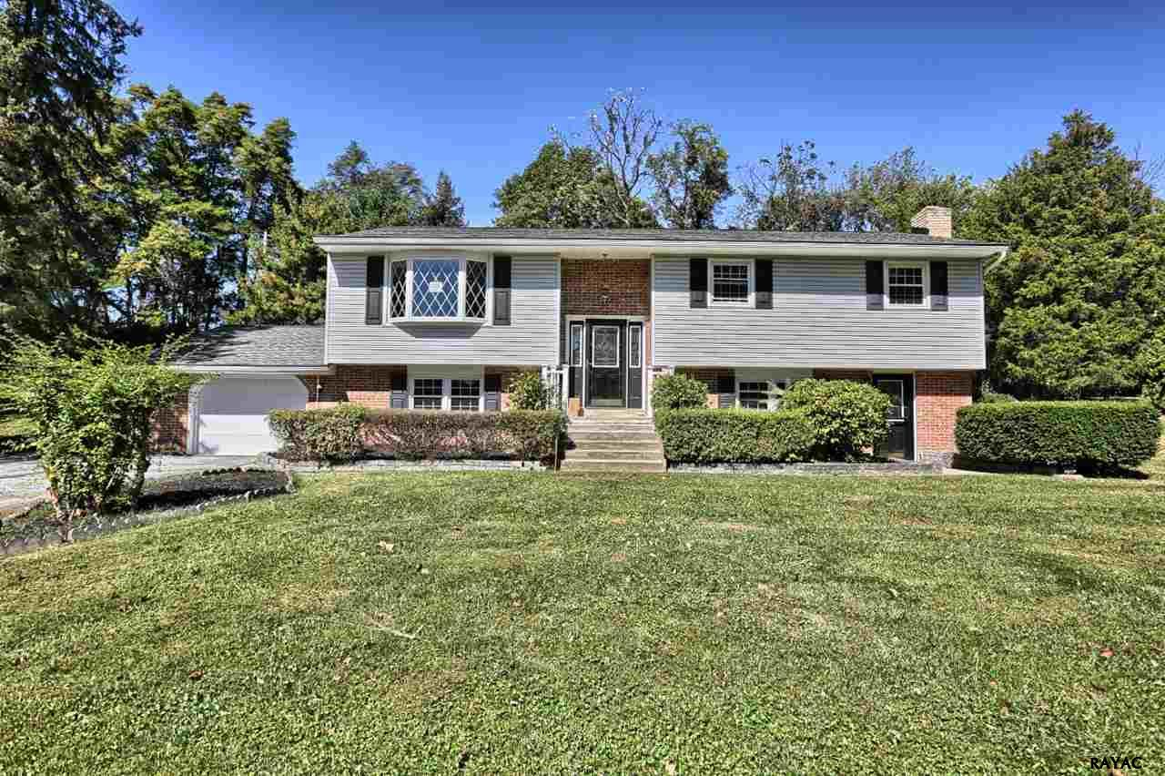 Photo of 801 Whiteford Drive  Lewisberry  PA