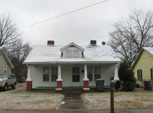 Photo of 913 LINDSEY STREET  Reidsville  NC
