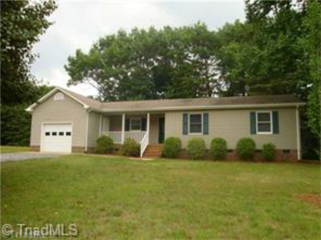 Photo of 275 DOVEFIELD DRIVE  Summerfield  NC