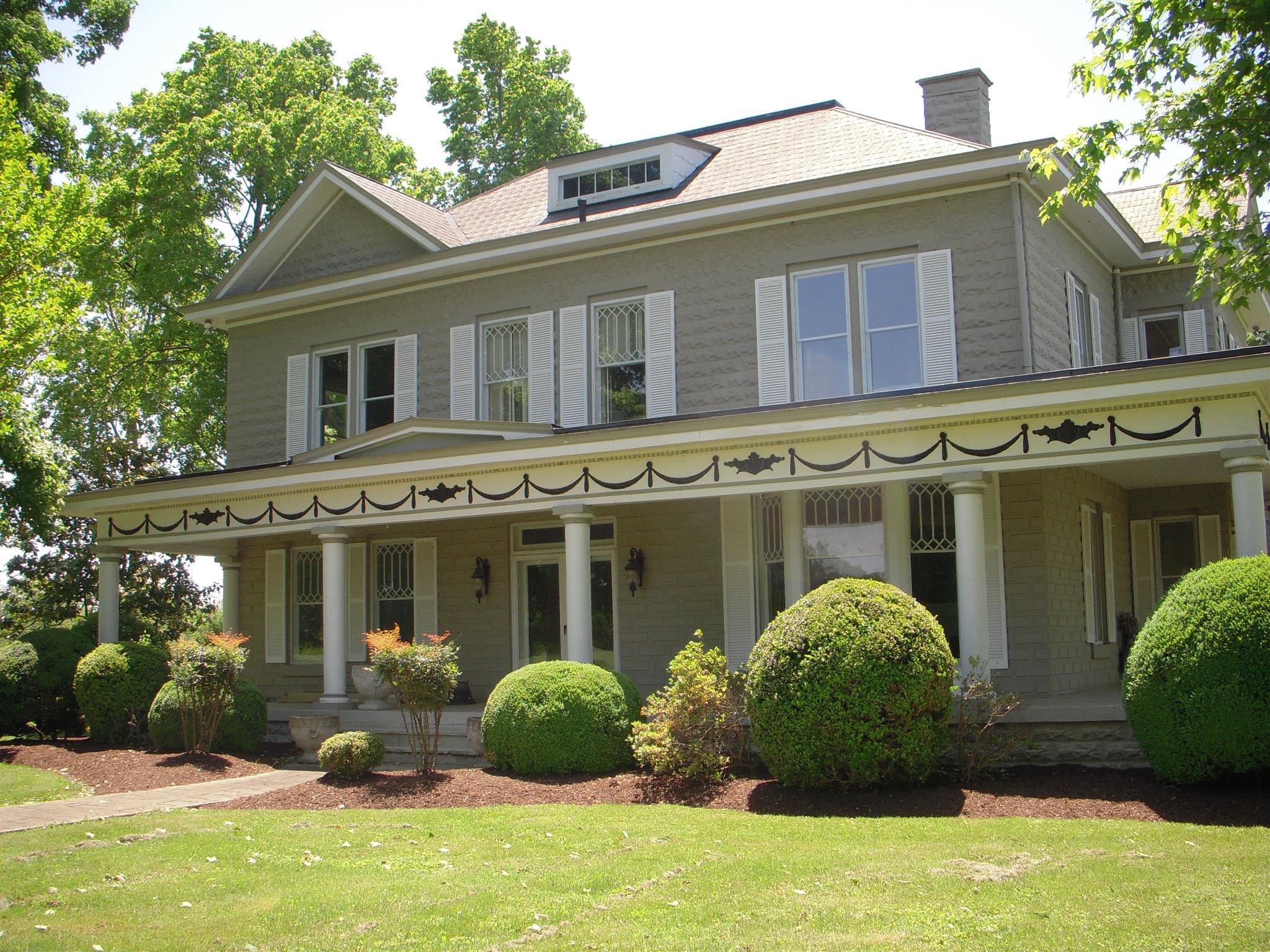 502 S Church St, Adams, TN 37010
