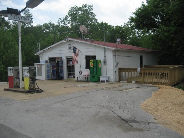 3001 Hampshire Pike, Columbia, TN 38401