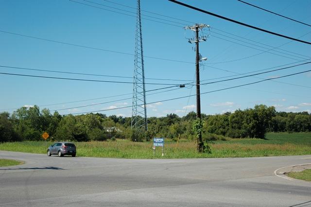 Trenton Rd, Clarksville, TN 37040