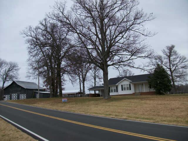4774 Barren Plains Rd, Springfield, TN 37172