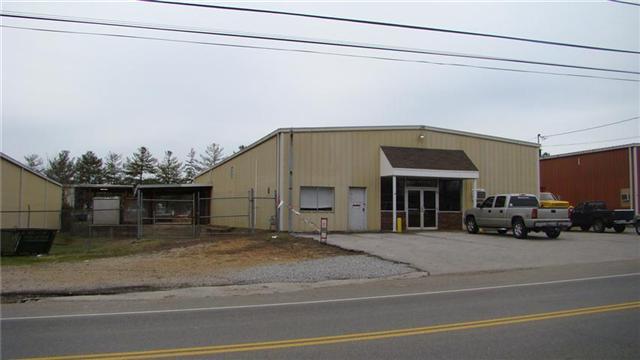 1107 Buffalo Rd, Lawrenceburg, TN 38464