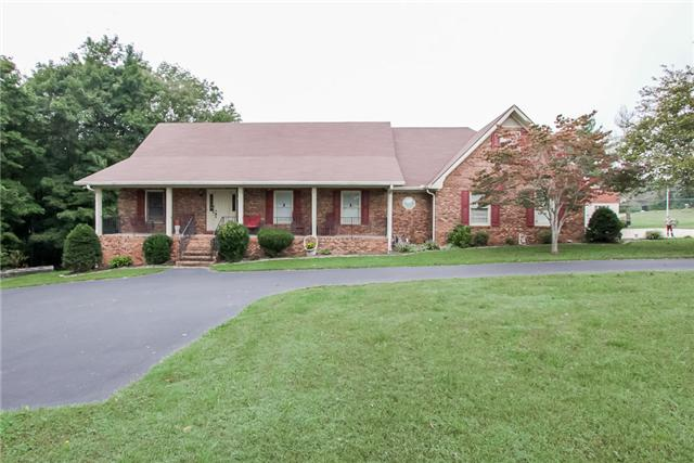 5211 Stacy Springs Rd, Springfield, TN 37172