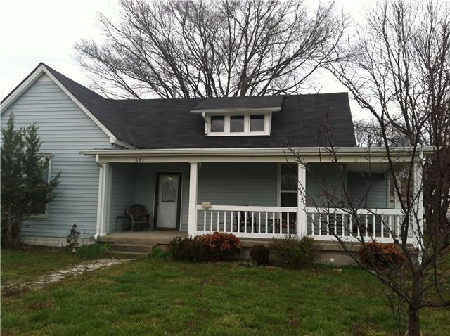 621 W Main St, Watertown, TN 37184