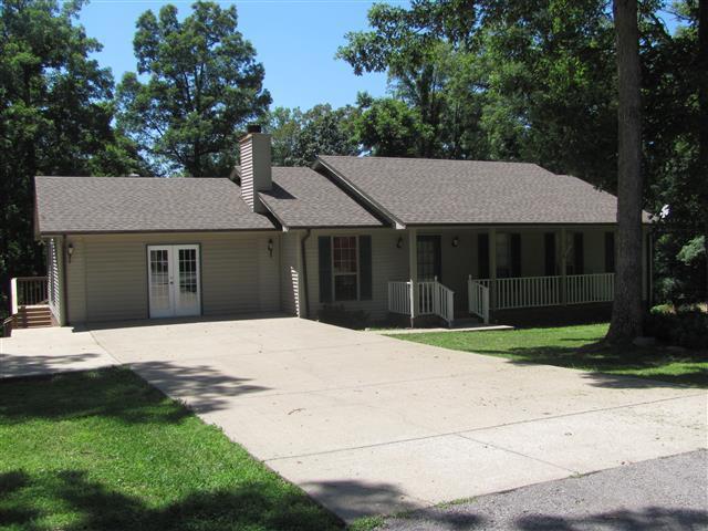 169 Oak Crest Dr, Tennessee Ridge, TN 37178