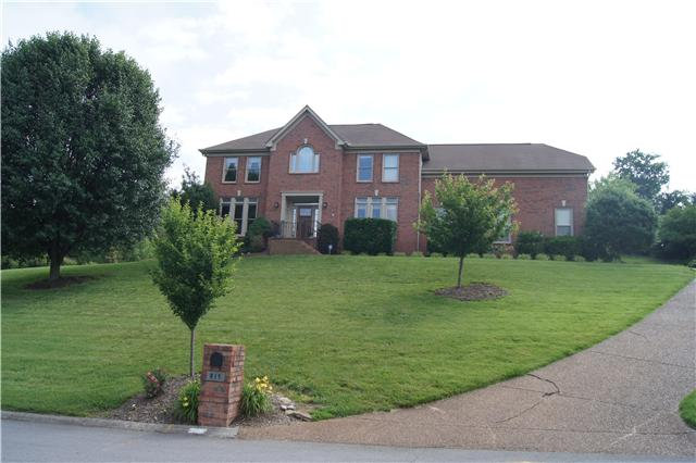 815 Overhills Dr, Old Hickory, TN 37138