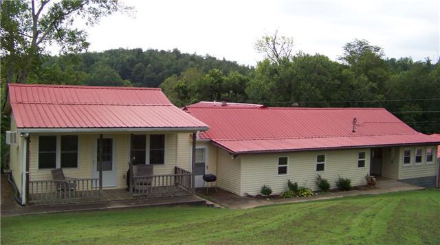 994 W B Summers Rd, Stewart, TN 37175