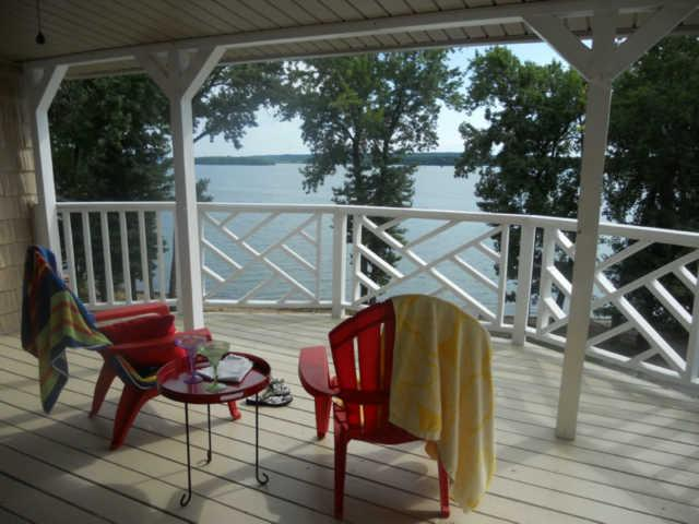 922 Lakefront Dr, Waverly, TN 37185