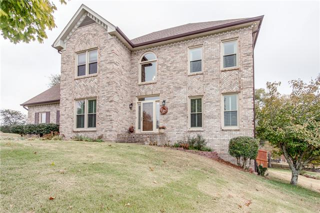 212 Hillside Dr, Franklin, TN 37067