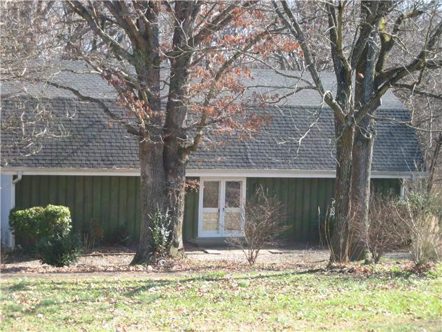 2801 New Cut Rd, Greenbrier, TN 37073