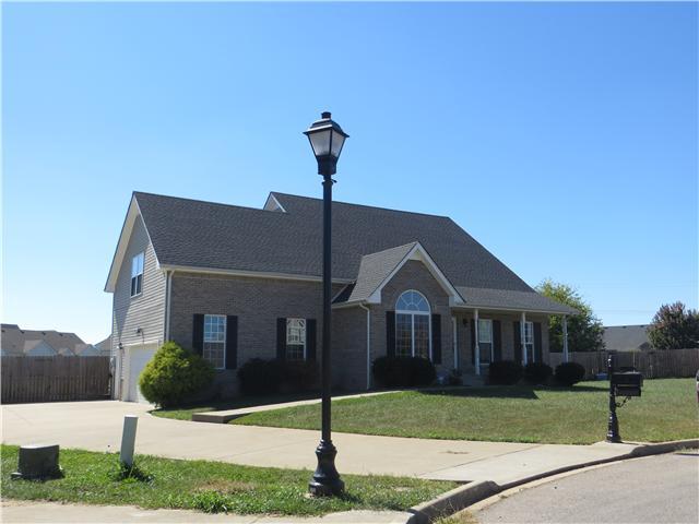 936 Wheatfield Ct, Clarksville, TN 37040
