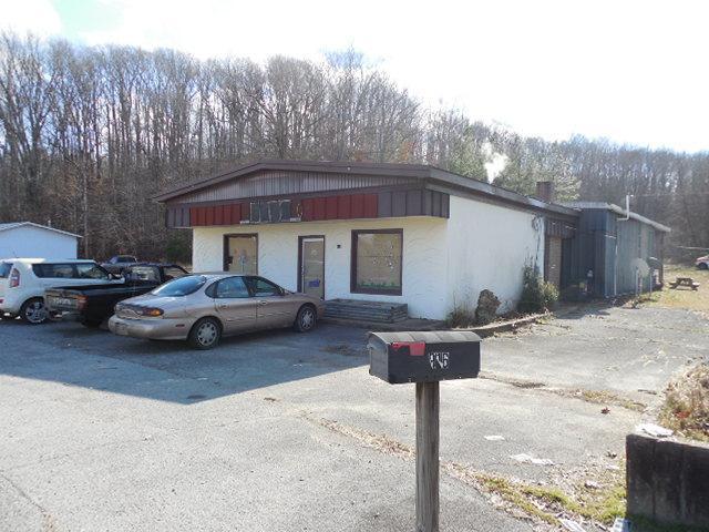 916 W Main St, Waverly, TN 37185