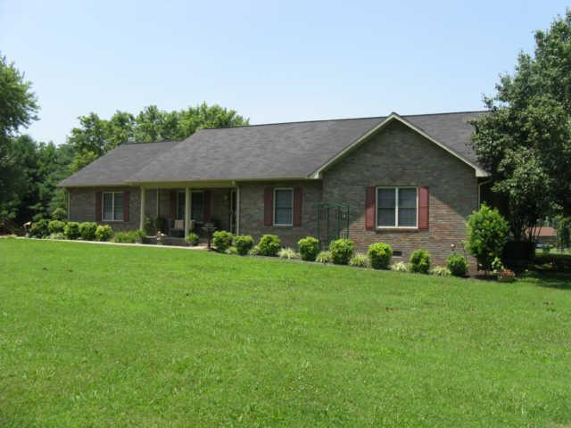 137 Greenview Dr, Winchester, TN 37398