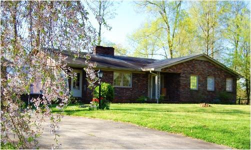 929 Indian Mound Dr, Mc Minnville, TN 37110