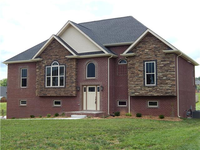 1018 Fox Hollow Pl, Adams, TN 37010