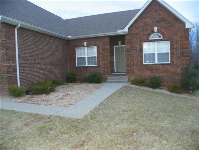 212 E Winterberry Trl, White House, TN 37188
