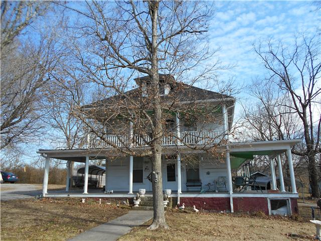 138 S Main St, Cornersville, TN 37047