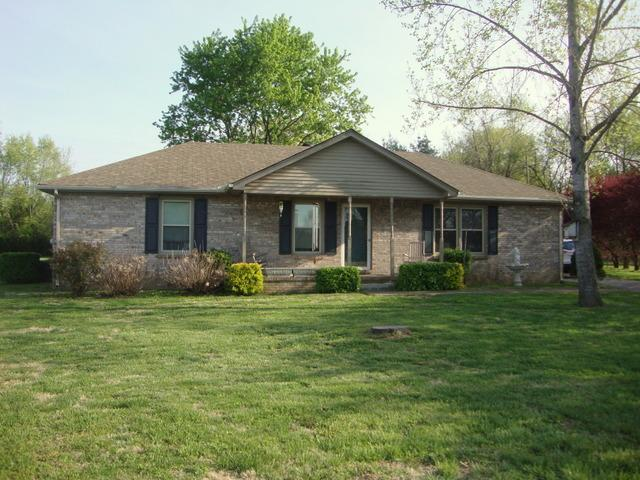2405 Laredo Ct, Christiana, TN 37037