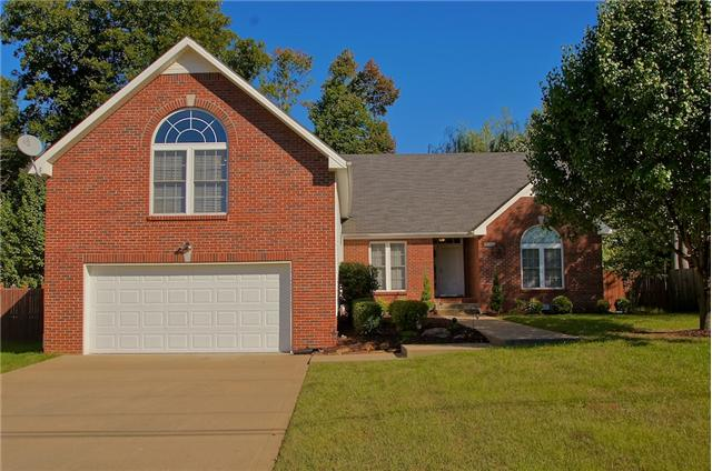 1580 Barrywood Cir W, Clarksville, TN 37042
