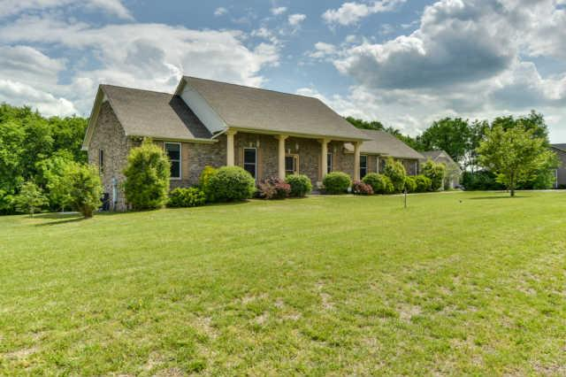 1009 Hummingbird Ln, Spring Hill, TN 37174