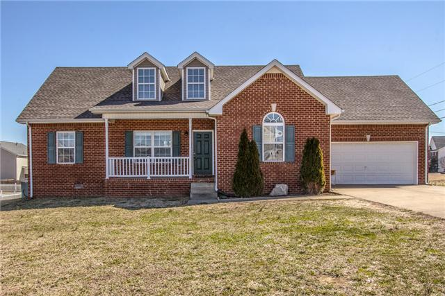 403 Wooded Valley Ct, La Vergne, TN 37086