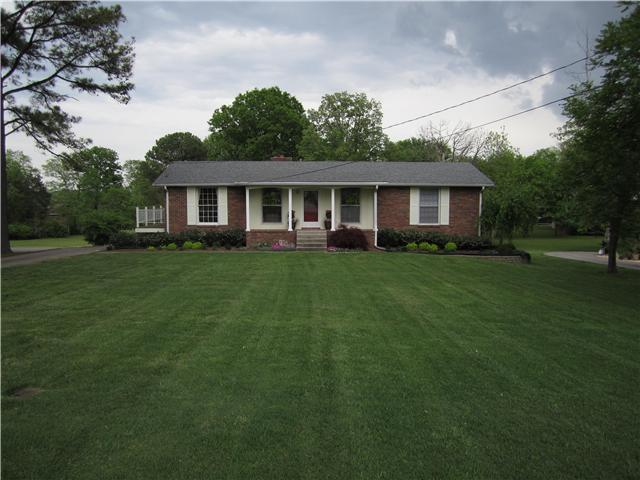 One of Hendersonville 3 Bedroom Single Story Homes for Sale