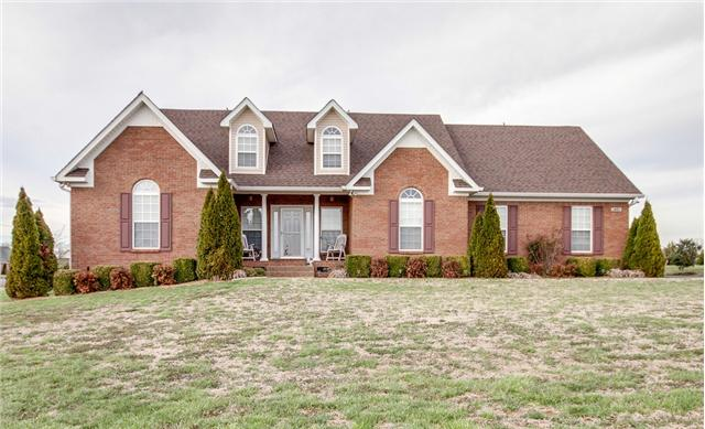 1401 Triple Crown Ct, Columbia, TN 38401