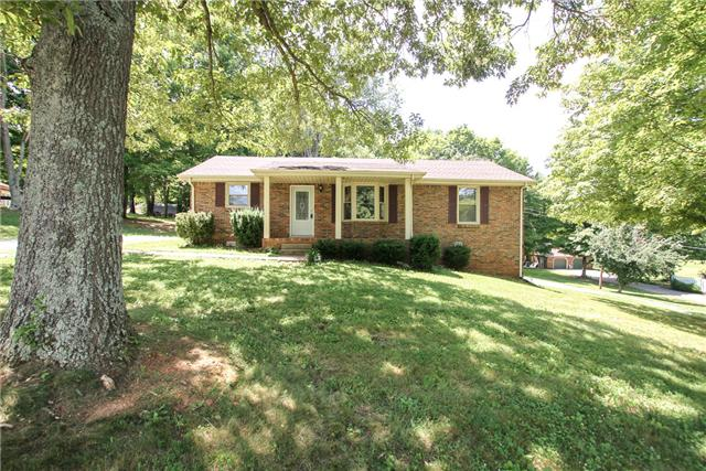 707 Darrow Dr, Pleasant View, TN 37146