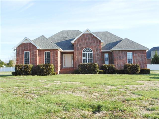 206 Hunters Ridge Dr, Tullahoma, TN 37388