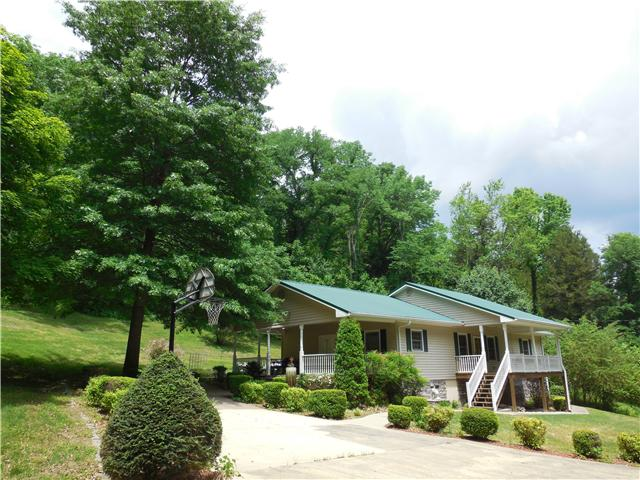 48 Cedar Springs Ln, Hickman, TN 38567