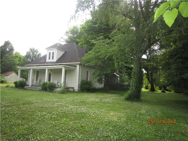 418 N Russell St, Portland, TN 37148