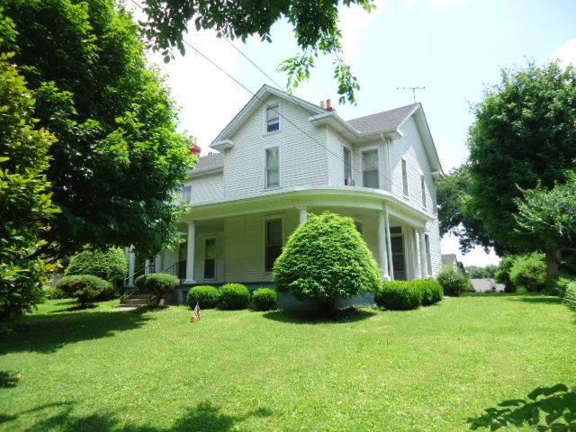216 Walnut St, Springfield, TN 37172