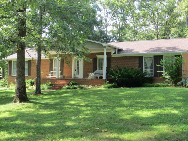 1305 Asbury Dr, New Johnsonville, TN 37134