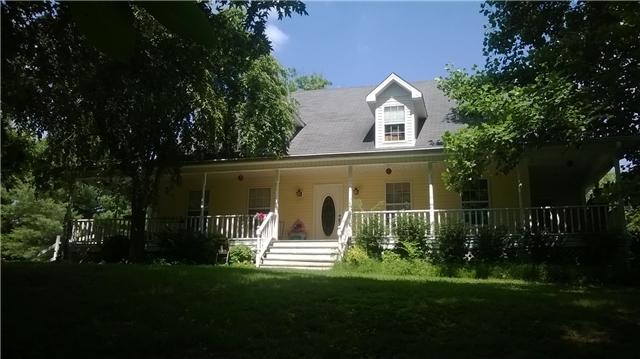 1086 Rip Steele Rd, Columbia, TN 38401