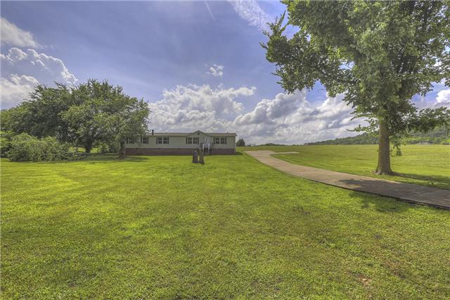 1832 Dickens Hill Rd, Bradyville, TN 37026