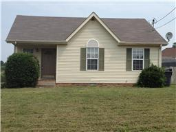 1613 Hannibal Dr, Oak Grove, KY 42262