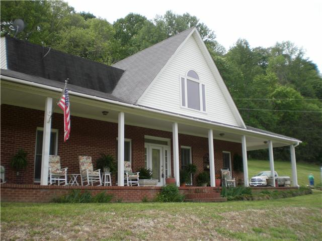 868 Big Bean Hollow Rd, Belvidere, TN 37306