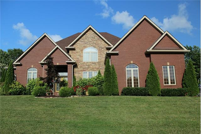 1986 Mossy Oak Cir, Clarksville, TN 37043